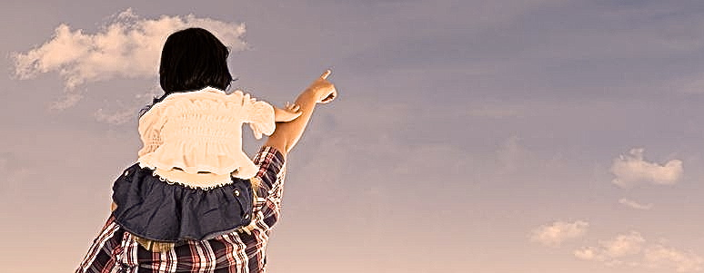 Girl on dad's shoulders - Version 2
